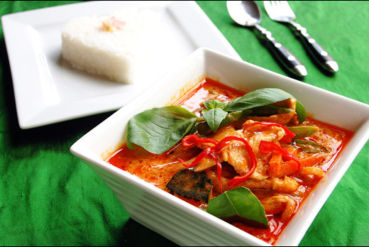 Thai Red Curry - Thai Restaurant Takeaway in Colliers Wood SW19