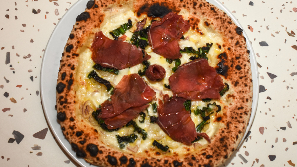 Viola - Traditional Pizza Takeaway in Tower Hill EC3N